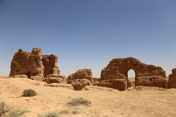 Теперь Аль-Акизера — это руины из кирпича и остатки красноземельных стен.