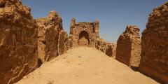 Древняя церковь, историческое достояние Ирака, превращается в пыль