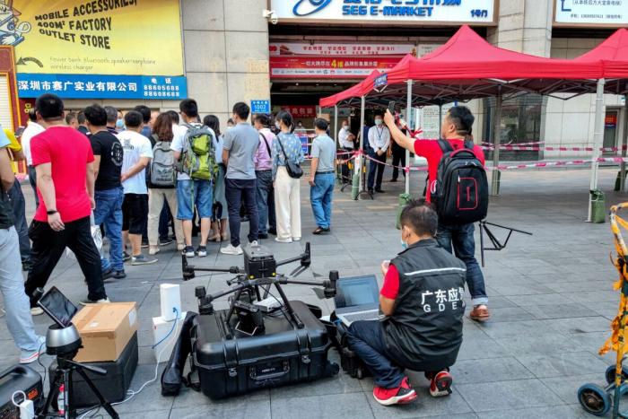 15000 человек эвакуировано из небоскрёба в Шэньчжэне, который два дня раскачивался без видимых причин