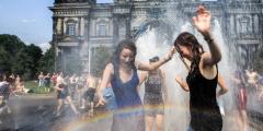 Лето в России будет жарким до июля