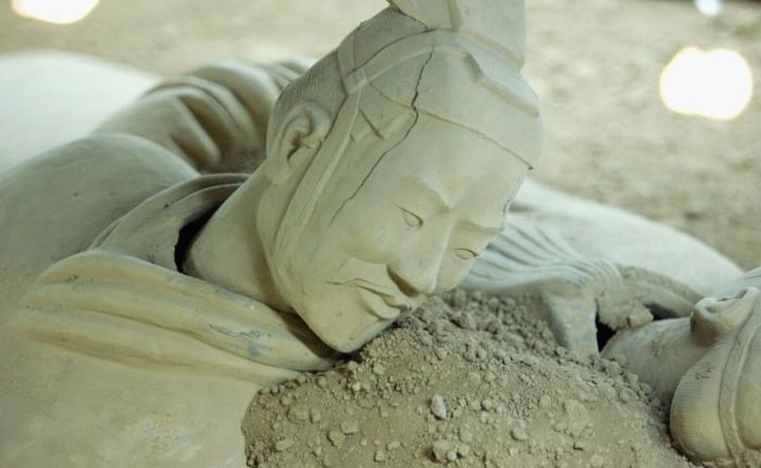 Публикацию бизнесменом древней поэмы в соцсетях истолковали как критику Пекина. Акции его компании упали