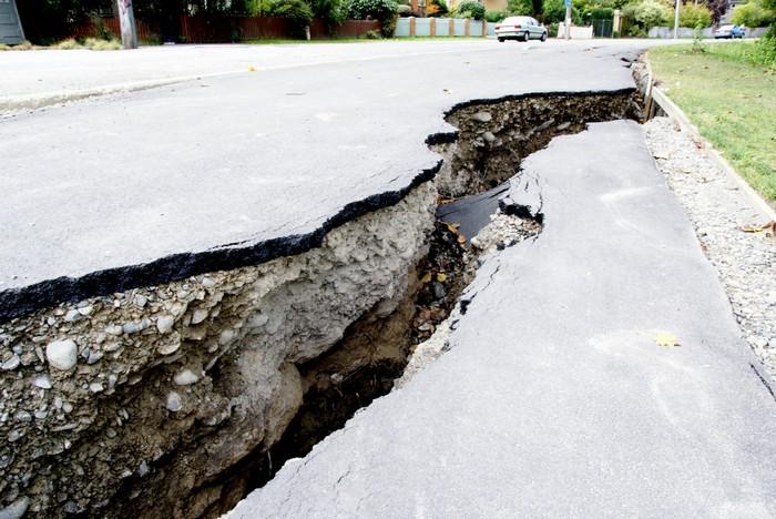За сутки в Китае произошло два мощных землетрясения