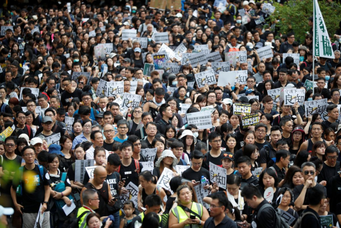 40% учителей Гонконга намерены сменить профессию