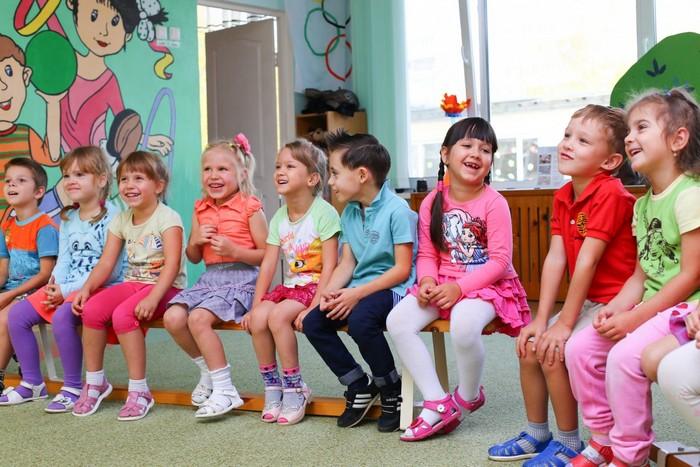 Правительство Хакасии решило урезать зарплаты учителям и воспитателям на 4,5 млрд рублей