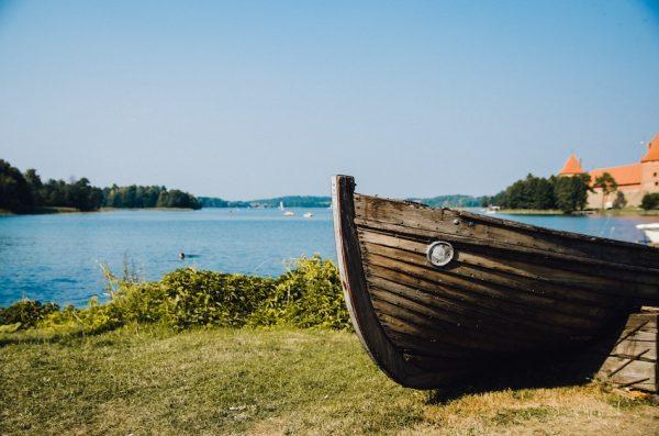 Литва— прекрасная балтийская страна сневероятной иинтересной историей. (Simone Perrone / Unsplash)