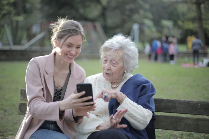 «МегаФон» сделал постоянную скидку 20% для пенсионеров