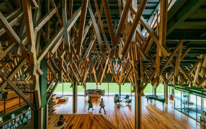 Кенго Кума: лес среди книг