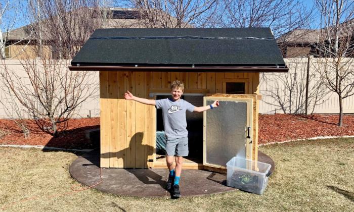 «Это успех»: 10-летний мальчик провёл 100 ночей в деревянном домике зимой