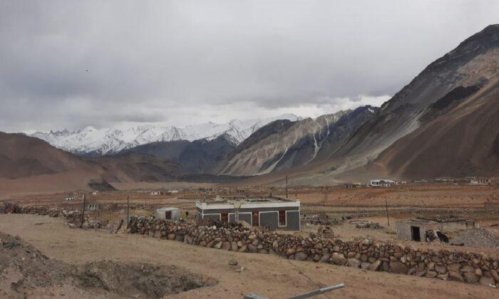 Отпандемии страдают жители высокогорных деревень вприграничной зоне Индии иКитая