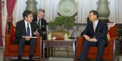 Китайский дипломат ответил США по вопросу прав человека и происхождения пандемии