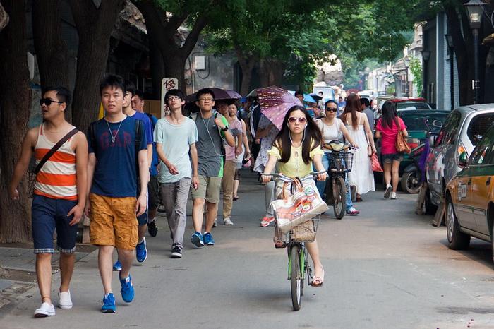Людная улица в Китае