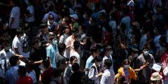 Более 30 часов студенты Китая продержали в заложниках директора колледжа во время протеста (Видео)