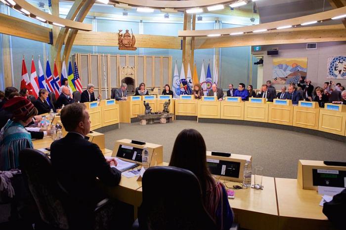 Заседание Арктического совета в Икалуите, Канада.