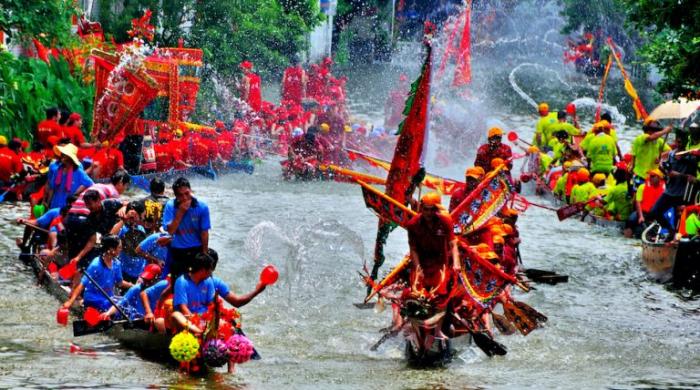 chinese dragon boat race 768x428 1 e1623481426640 - Фестиваль лодок-драконов: удивительные истории и традиции