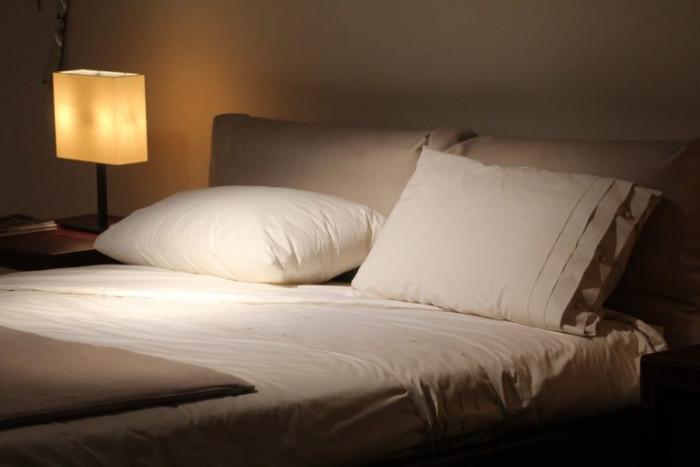 Анализ психологии «откладывания сна ради личного времени»