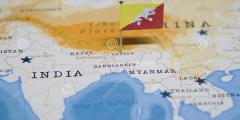Китай подбирается к Бутану — предупреждение для Индии