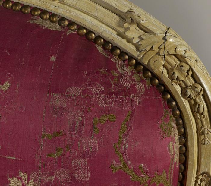 Парижское кресло XVIII века