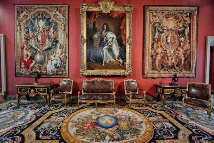 Лувр — крупнейший в мире художественный музей