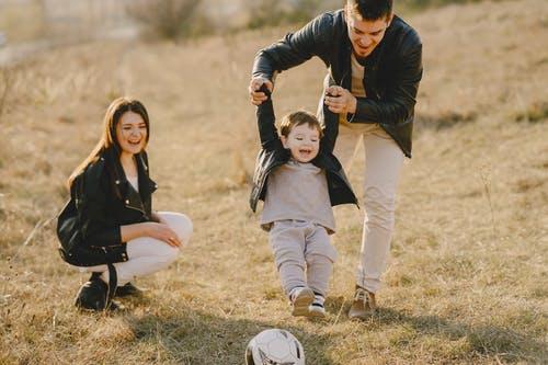 Какими чертами должны обладать отцы, чтобы вырастить достойных детей в нашем феминизированном мире