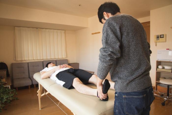 Массаж ступней — приятная и полезная процедура