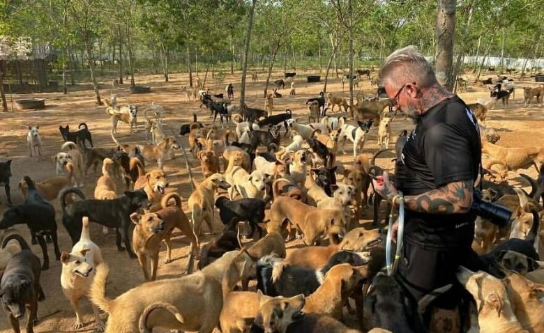 Спасение бездомных животных он сделал делом своей жизни