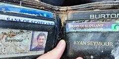Мужчине вернули кошелёк, потерянный 20 лет назад. Всё было на месте