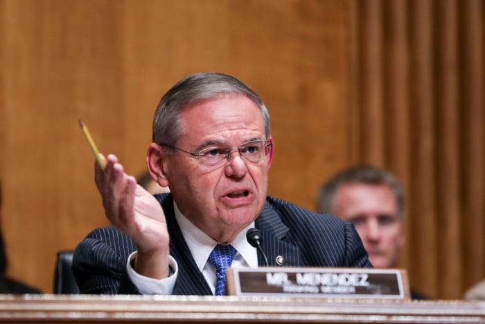 Сенатор США: Пекин зарабатывает деньги наамериканских налогоплательщиках спомощью глобальной программы вакцинации отCOVID-19