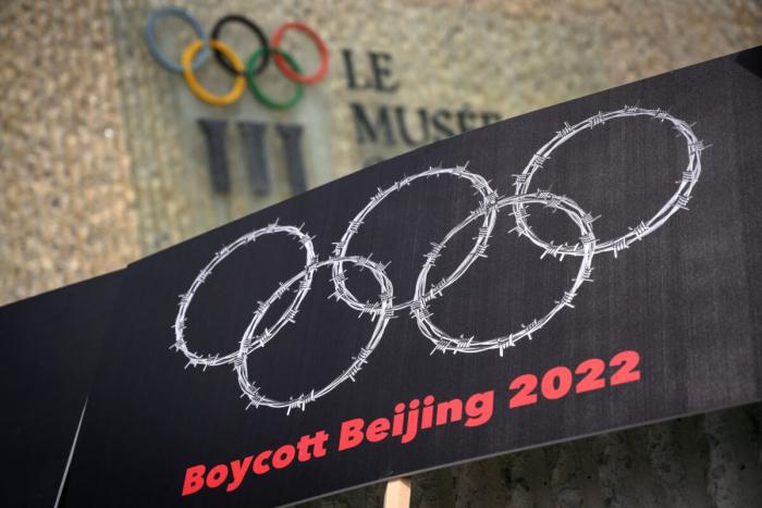 Законодатели США критикуют Coca-Cola, Visa, Airbnb за поддержку пекинских Олимпийских игр: Прискорбно и стыдно
