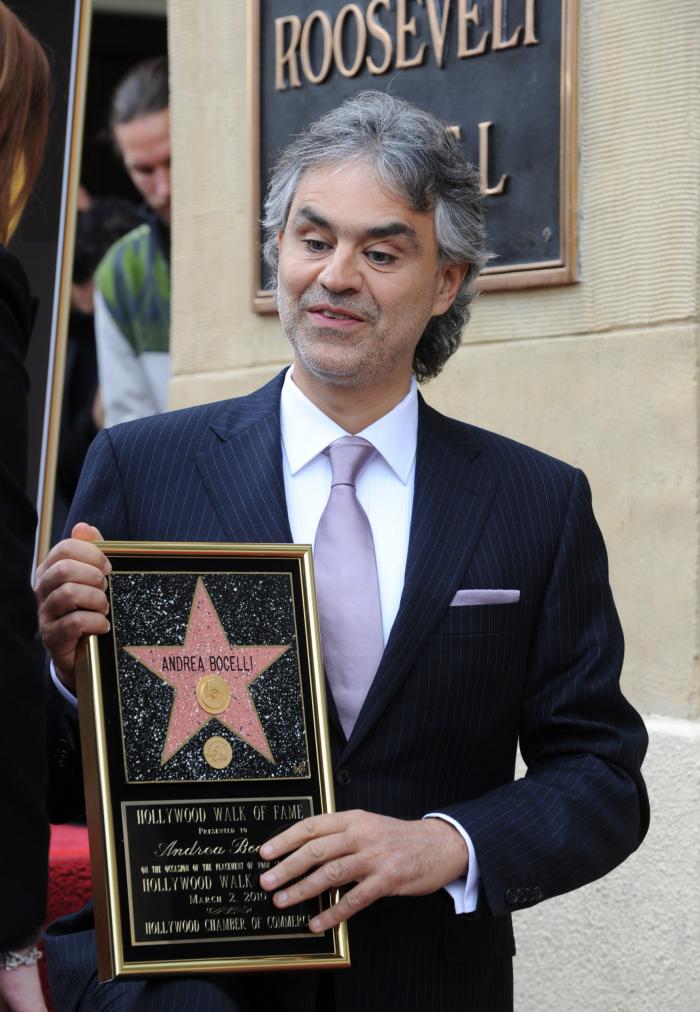 2 марта 2010 года Андреа Бочелли удостоился 2402-й звезды на Голливудской аллее славы.