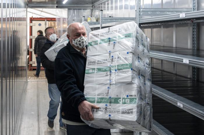 Как Китай быстро наладил массовое производство вакцин COVID