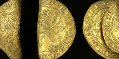 В Великобритании нашли 2 редкие золотые монеты периода Чёрной смерти