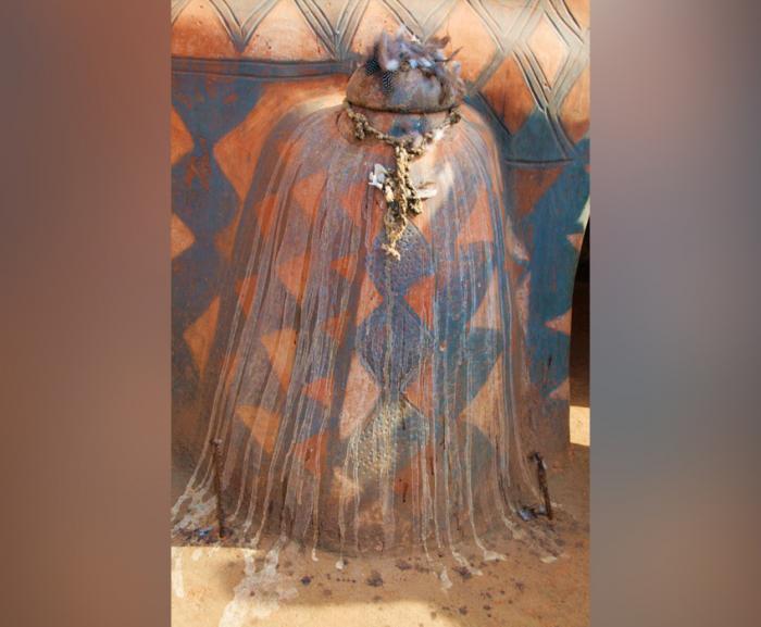 ET Olga Stavrakis Burkina 3village 5 e1625293702786 - Жители африканской деревни живут в богемной обстановке