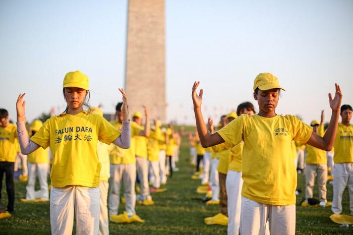 Epoch Times 676A8911 1200x800 1 - Фотогалерея: Марш последователей Фалуньгун в Вашингтоне призывает к прекращению 22-летнего преследования в Китае