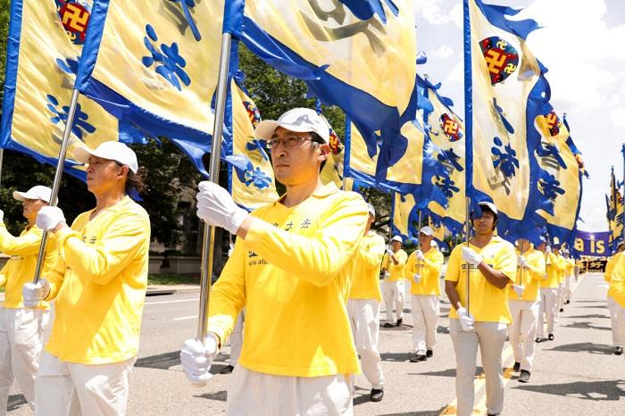 Epoch Times 9A6A0315 1 1200x800 1 - Фотогалерея: Марш последователей Фалуньгун в Вашингтоне призывает к прекращению 22-летнего преследования в Китае