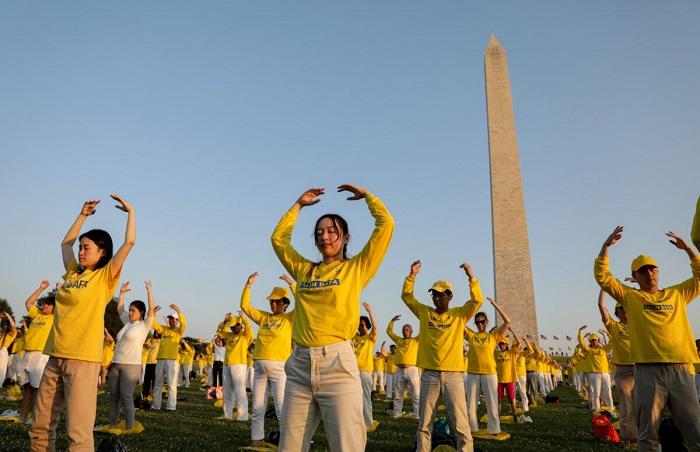 Epoch Times 9A6A1100 1200x776 1 - Фотогалерея: Марш последователей Фалуньгун в Вашингтоне призывает к прекращению 22-летнего преследования в Китае