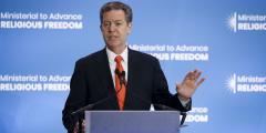 Бывший посол США Браунбэк: Китайский режим на закате