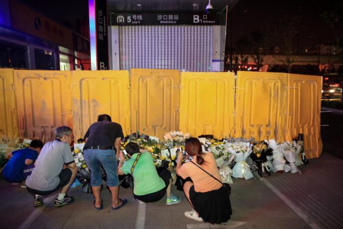 Власти Чжэнчжоу запретили жителям поминать близких, утонувших в метро