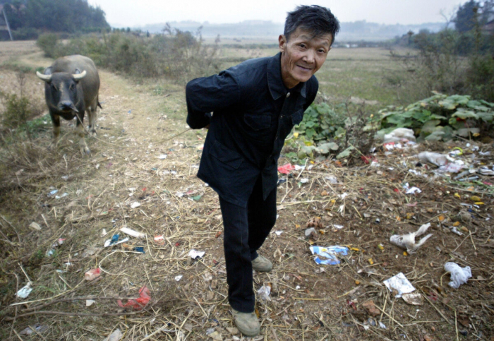 Слепой китайский адвокат по правам человека рассказал о тяжёлой жизни сельской бедноты в Китае