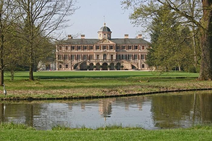 Старейший фарфоровый дворец Германии: дворец Фаворит в Раштатте