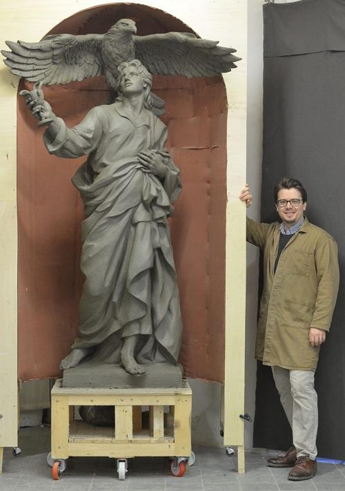 Служение Богу в скульптуре