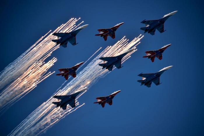 Может ли российский истребитель-невидимка Су-75 конкурировать с американским F-35?