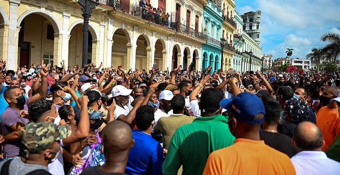 cuba protest 6 e1626055579149 - Тысячи американцев присоединяются к маршу за свободу Кубы возле Белого дома
