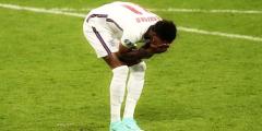 Англия снова выиграла чемпионат Европы по борьбе с расизмом и бандитизмом