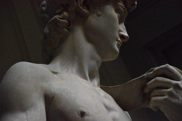 michelangelo sculpture david 600x400 1 - Божественный «Микеланджело»: песня Кэти Мантык