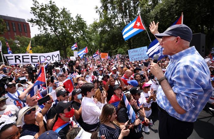 rick scott freedom cuba rally - Тысячи американцев присоединяются к маршу за свободу Кубы возле Белого дома