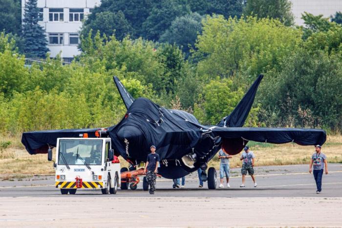 Путин осмотрел новый российский истребитель на авиасалоне МАКС-2021