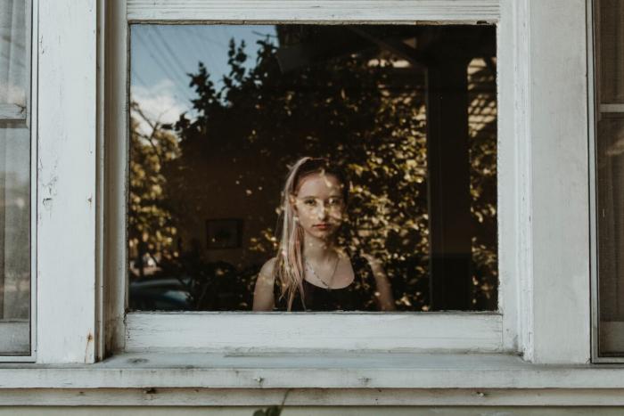Печальные последствия самоизоляции при пандемии — рост суицидов среди подростков