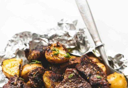 steak potato foil packs 2021 06 14 1312 433x300 1 - Вкусные и питательные блюда на костре: пять рецептов в фольге