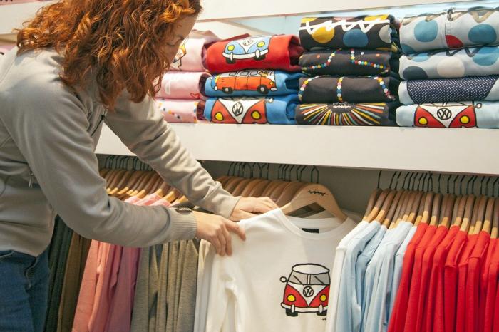 Цены на одежду и обувь поднимутся к январю на 20%
