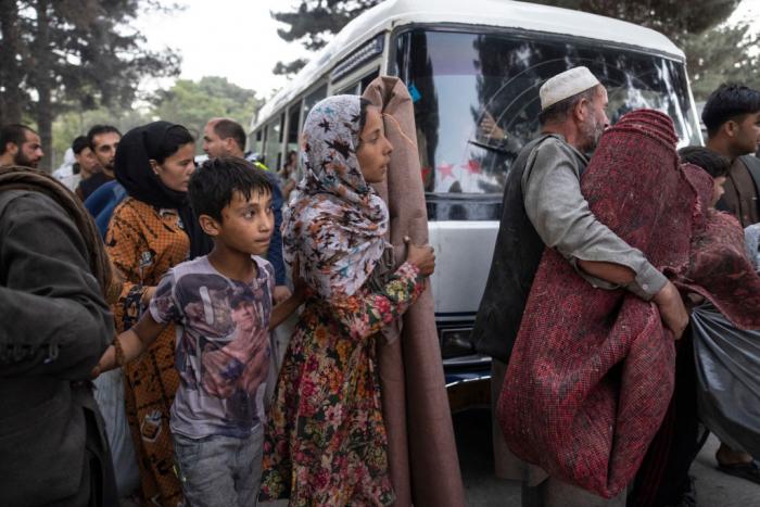 Президент Афганистана покинул страну, которую захватили боевики «Талибана»